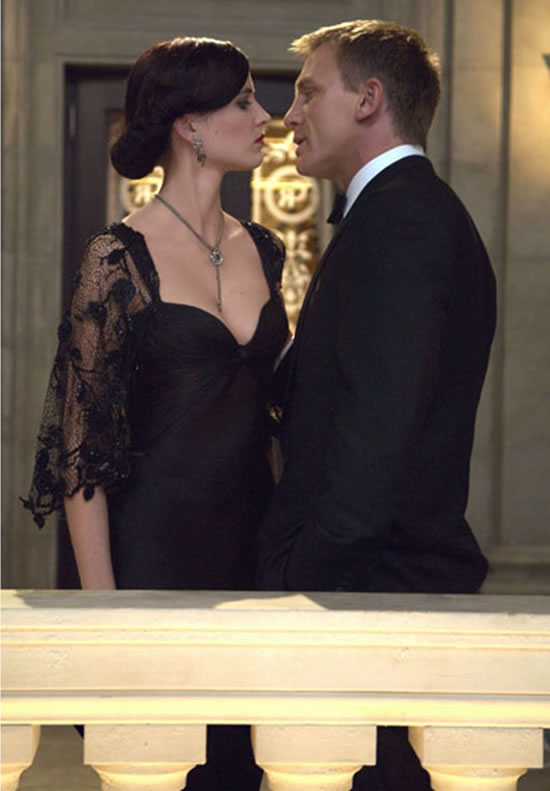 Eva Green as Vesper Lynd and Daniel Craig as James Bond in Casino Royale in 2006