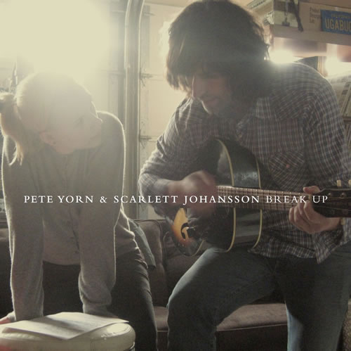 "Scarlett Johansson & Pete Yorn – ""Break Up"""